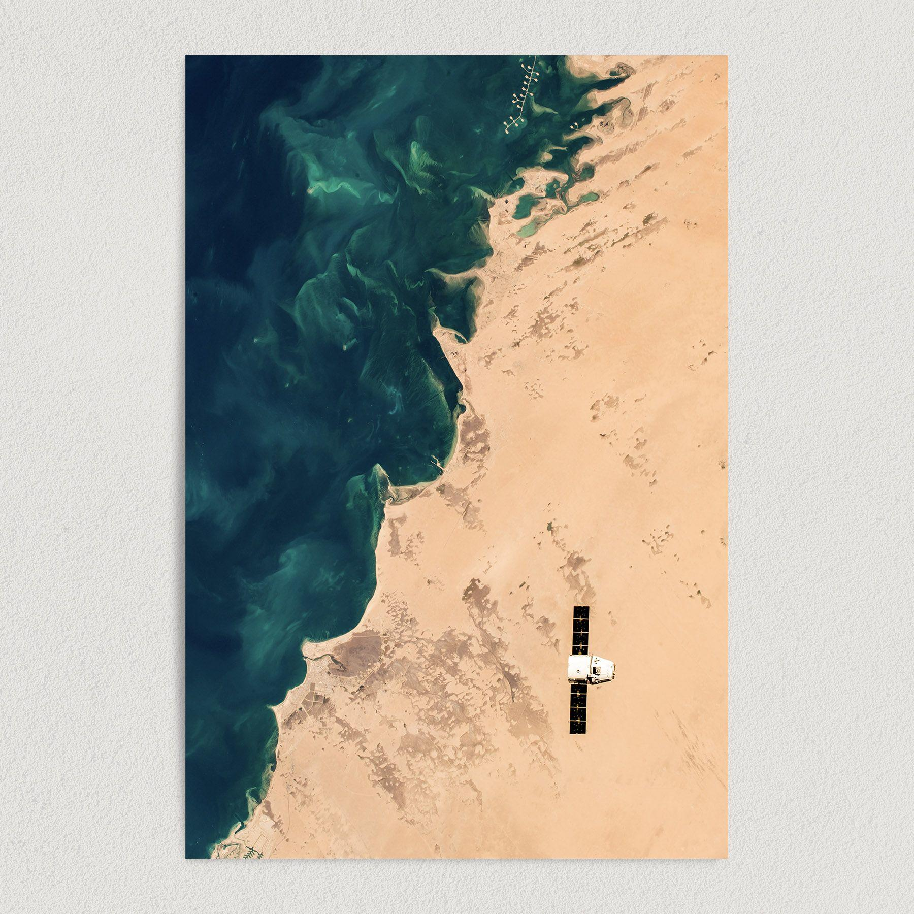 SpaceX Dragon Goes To the Space Station Art Print Poster S1006